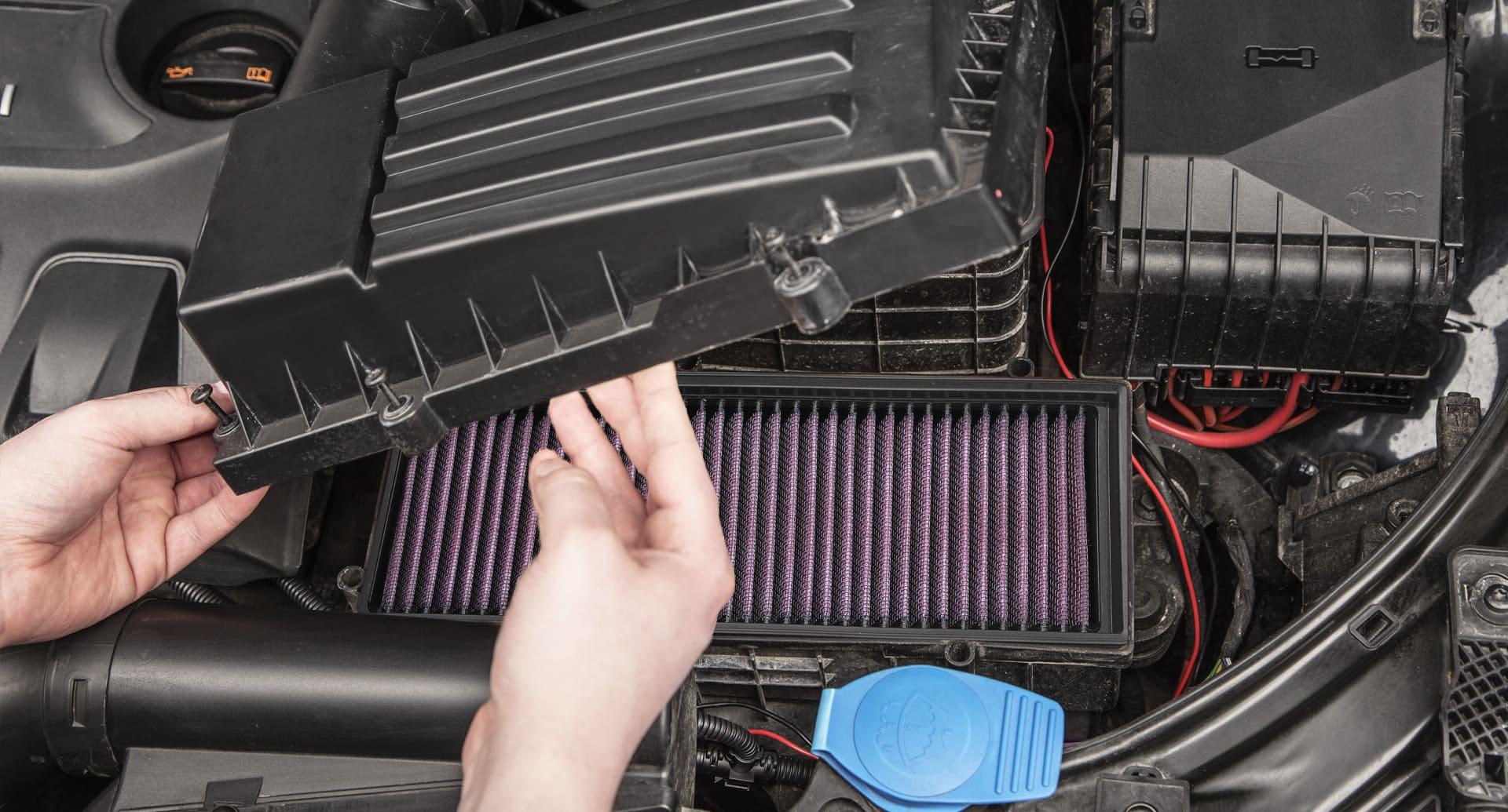 Einsetzen des K&N Luftfilters